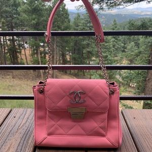 FAUX PINK CHANEL